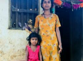 Prema and her daughter Ibanni, Tirthahalli forest - photo by Anusha Chaudhary